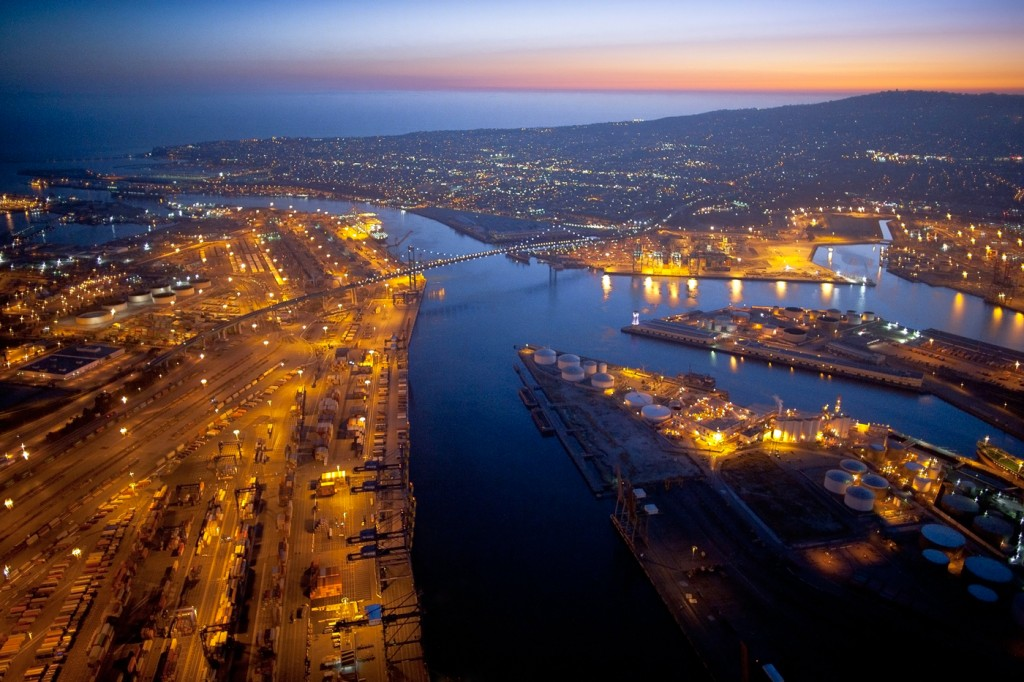 Port-of-Los-Angeles-at-sunset-Photo-by-Port-of-Los-Angeles